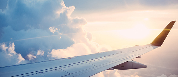 Flying With Contact Lenses - How To Keep Your Eyes Safe